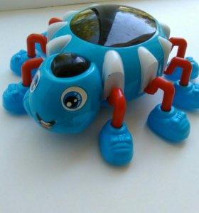 Музыкальная 3D игрушка «Паучок»