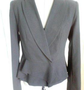 Пиджак новый,черный 44разм.