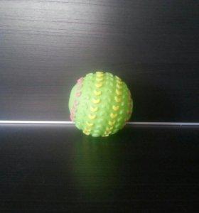 Мяч-пищалка для собак.