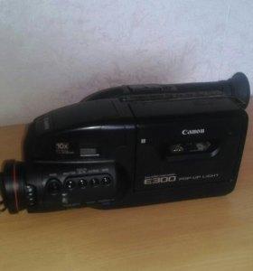 Видеокамера на запчасти.