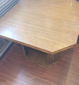 Продам деревянный столик
