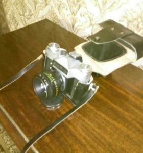 Фотоаппарат Зенит-Е с обьективом Helios