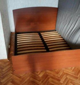 Двуспальная кровать б/у