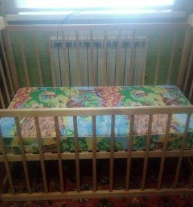 Кроватка детская, матрасик.