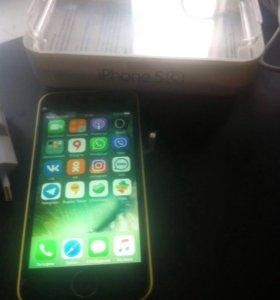 Телефон Айфон 5С 32гб