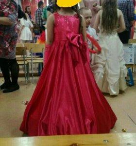 Продам платье . На 6-9 лет. Состояние нового.