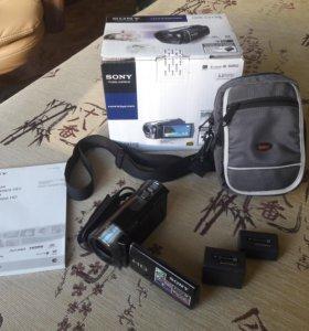 Цифровая видеокамера Sony HDR-CX130E