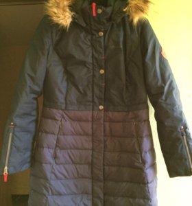 Зимняя куртка,шарф,варежки и шапочка