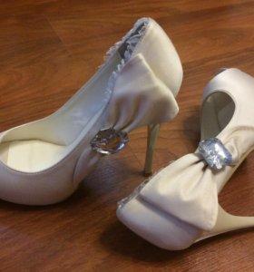Туфли свадебные 39 р-р