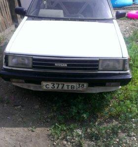 Машина Нисанн Санни