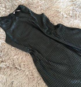Коктейльное мини платье с пайетками