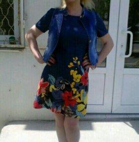 Платье и джинсовая желетка