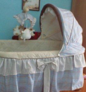 Кроватка для новорожденого