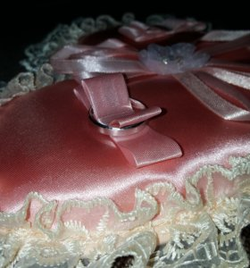 Подушечка для колец на свадьбу