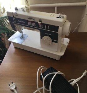 Швейная машинка Victoria немецкая