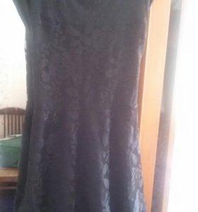 Красивая кружевное платье