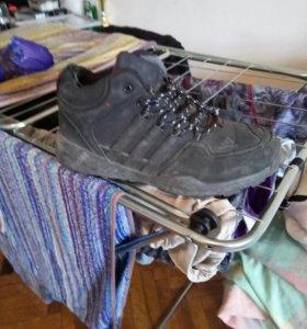 Кроссовки на меху