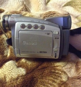 Камера Canon mv750i