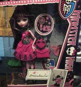 Кукла Monster High, Дракулаура, день фотографии