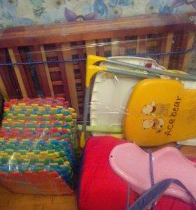 Кроватка, стульчик для кормления, пазлы, горка, иг
