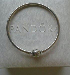 Оригинальный браслет и шарма Pandora