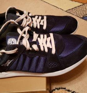 Мужские кроссовки 45 размера