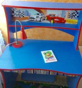 Детский стол письменный