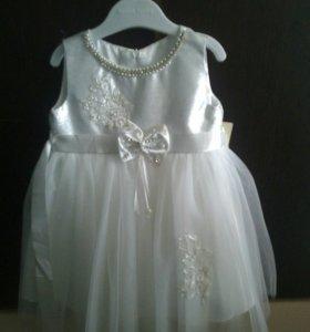 Платье новое 1-2 года.