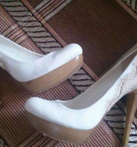 Туфли белые, размер 37