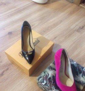 Туфли женские 2 пары