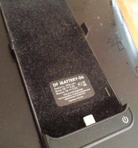 Продаю внешний аккумулятор для айфон 5 на 2200mAч