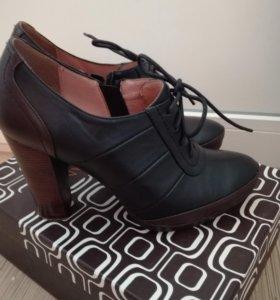 Новые кожаные туфли 38 р