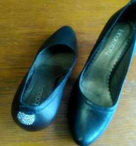 Туфли,красивые,удобные,натур.удобныекожа,не ношены