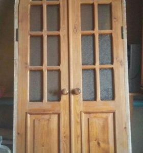 Деревянная дверь из массива