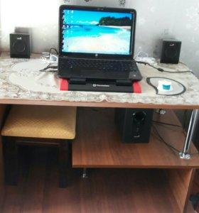 Ноутбук со столом