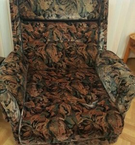 Немецкая мягкая мебель (диван, два кресла)