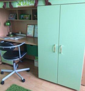 Стенка. Кровать + лестница + шкаф + стол + матрас