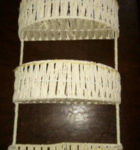 Плетеная полочка,этажерка