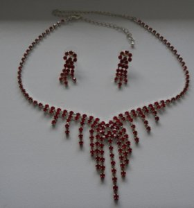 Набор украшений (ожерелье и серьги)