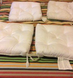 Подушки для дачи на липах 100 р. Шт.