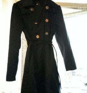 Черное пальто HM