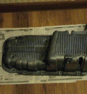 Масляный поддон картера двигателя