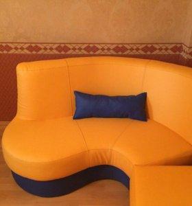 Угловой диван для офиса, парикмахерских, салонов