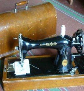 Швейная машинка ПМЗ им. Калинина 1952 года
