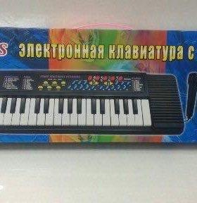Синтезатор в наборе с микрафоном