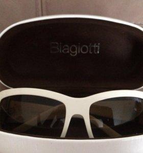 Солнцезащитные очки Biagiotti