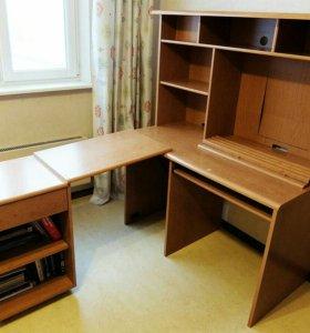 Комплект мебели (стол с выдвижной тумбой и шкаф)