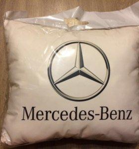 Автомобильные подушки Mercedes Subaru