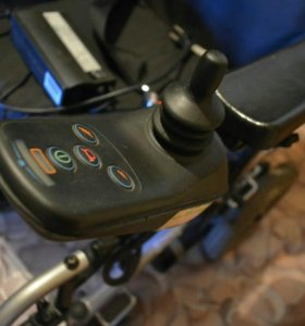 Инвалидное электрокресло