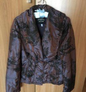 Куртка женская, 42